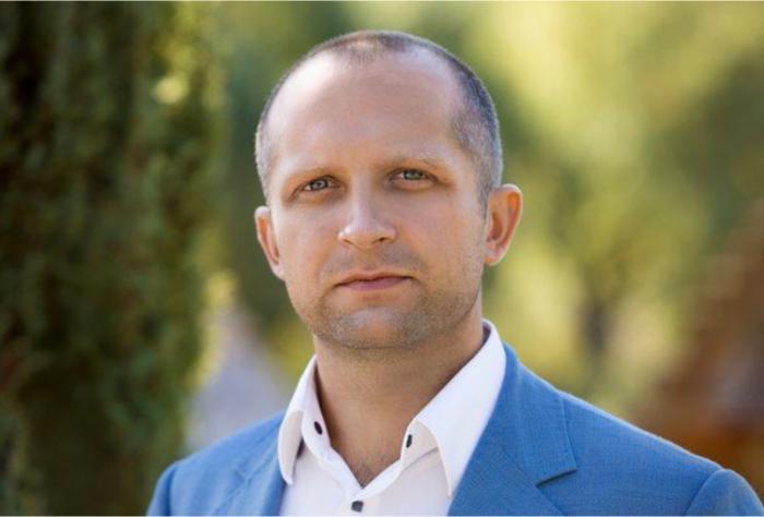 Максим Поляков политик